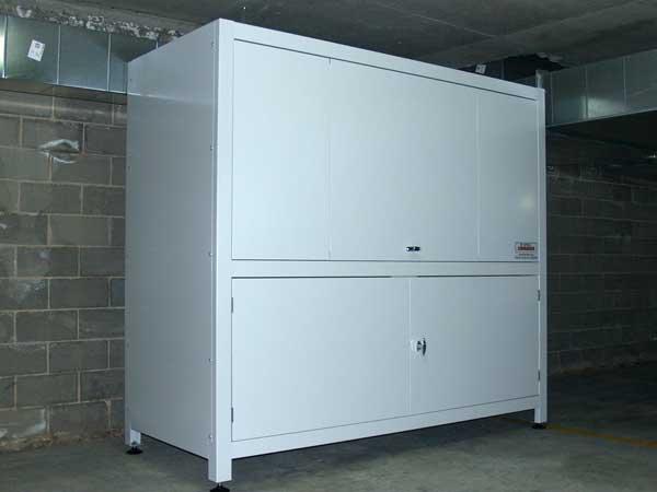 space commander apartment garage storage box